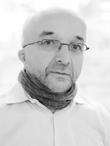 Dr. Stefan Sacchi